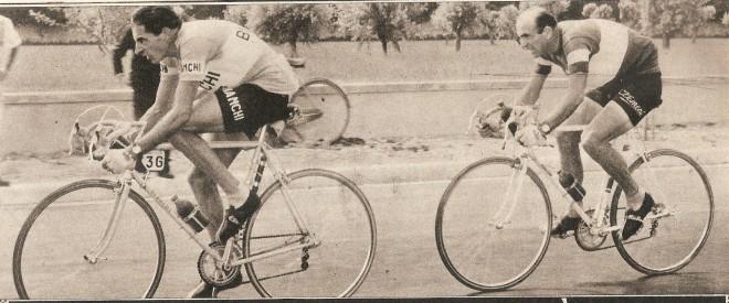 Fausto Coppi y Fiorenzo Magni en el Giro de Italia de 1955